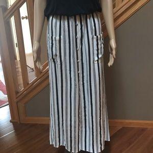 Billabong black stripe maxi skirt S